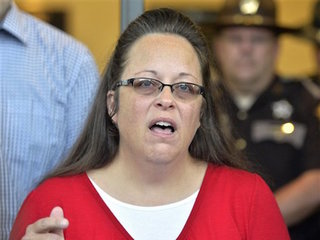 Judge: Kim Davis obeying orders