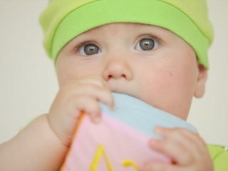 Study: OK for babies to 'cry it out'
