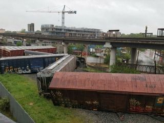 Train derailment in DC prompts hazmat response