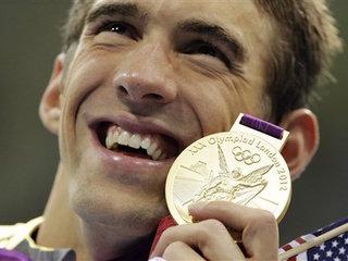 Phelps skips meet while awaiting birth of child