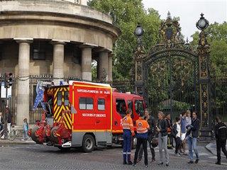 Lightning injures dozens in France, Germany