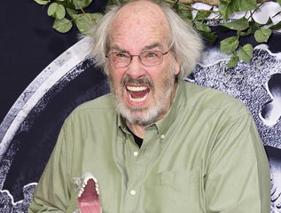 'Jurassic Park' paleontologist to retire