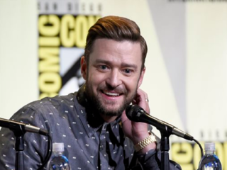 Celebs choose Comic-Con over 'other' convention
