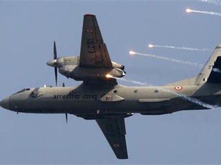 India loses contact with plane carrying 29