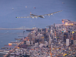 Solar-powered plane finishes flight around Earth
