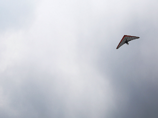 Hang glider dumps contraband cigarettes in field