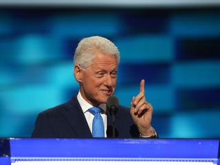 Bill Clinton supports Hillary with love story