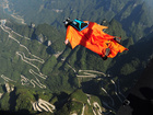 Report: Wing suiter's death was live-streamed
