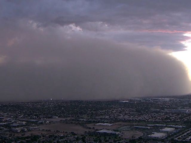 Dust storm brings visibility to near zero