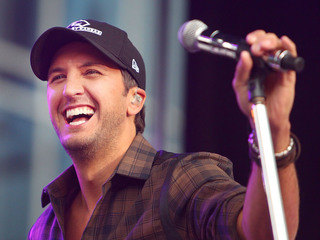 Luke Bryan responds to punch video