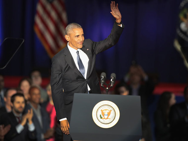 Obama Returns to Spotlight for Chicago Civics Forum