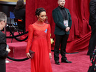 Why stars at the Oscars are wearing blue ribbons