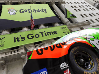 GoDaddy cuts neo-Nazi site after post