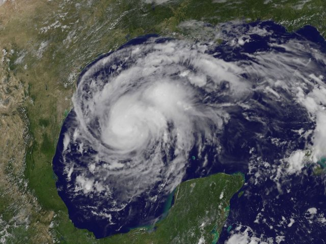 Kentucky based company sending crews to Texas to help with Hurricane Harvey