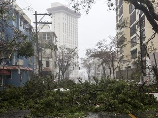 Maria leaves all of Puerto Rico without power