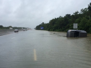 Louisiana flooding displaces thousands