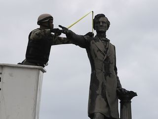 Alabama bill aims to save Confederate monuments