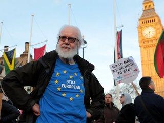 Majority of Brits want to keep EU citizenship