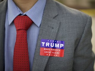 Report: Trump staffer tried to meet with Russia