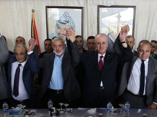 Gaza residents welcome leader from West Bank