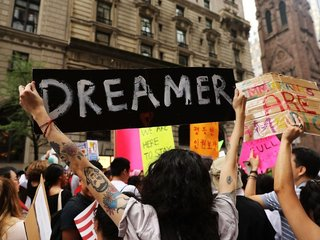 White House issues immigration policy wish list