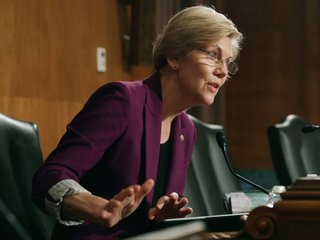 Warren's travel ban tweets may be misleading