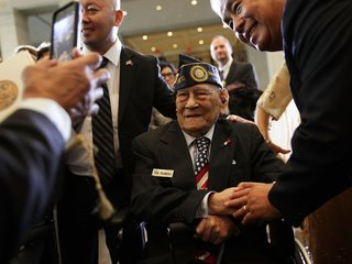 WWII Filipino Veterans Given Congressional Medal