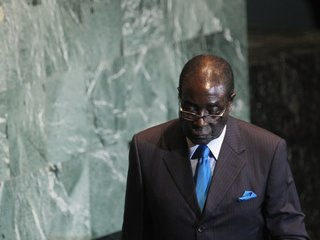 Deadline for Zimbabwe president to resign is up