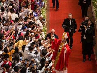 Pope explains why he didn't say 'Rohingya'