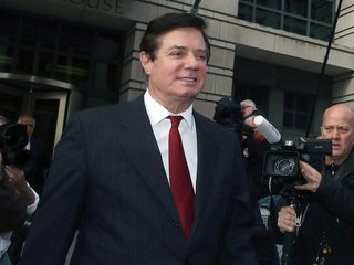Mueller's team says Manafort violated bail deal