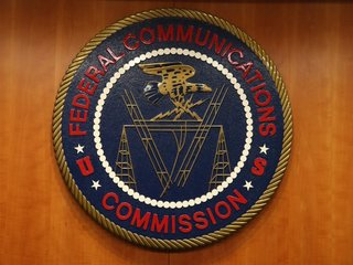 FCC votes to scrap net neutrality rules