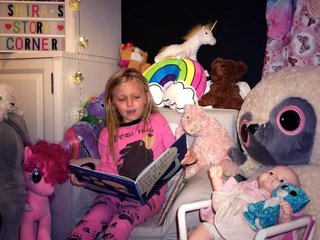 8-year-old girl reads to sick kids via YouTube