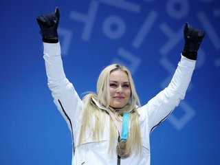 Lindsey Vonn takes home bronze