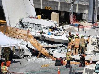 Bridge collapses at Florida International Univ.
