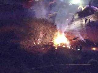 6 dead after plane crash at Arizona golf course