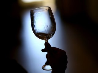 Global wine production slumps to 60-year low