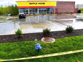 Tennesses Waffle House open again after shooting