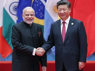China and India's leaders meet to talk trade