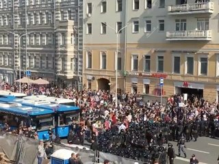 More than 1,000 arrested in anti-Putin protests