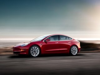 Musk promises fix after Tesla Model 3 review