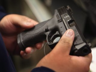 Some Alabama school staff can keep gun at school