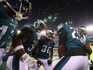 No, the Eagles didn't kneel during the anthem