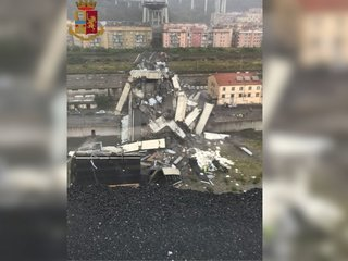 Highway bridge in Italy collapses