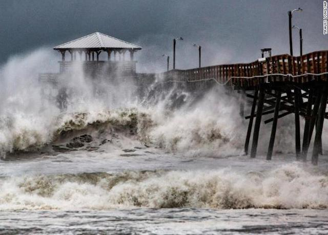 hurricane florence pounds the carolinas  water rescues